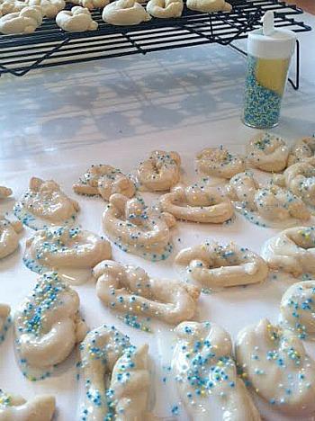 knotcookies.jpg