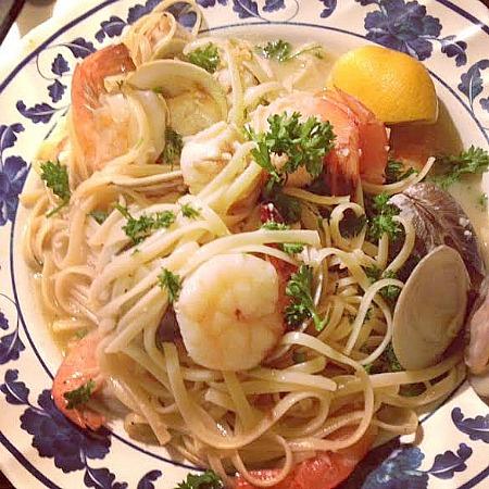 seafoodpasta.jpg