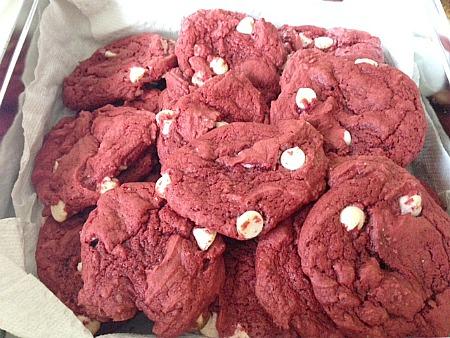redvelvetcookie.jpg